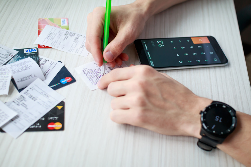 too many credit cards dangers of credit card rewards